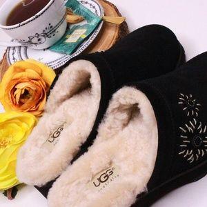 UGG Australia Suede Slides/Mules w/ Sheepskin Fur